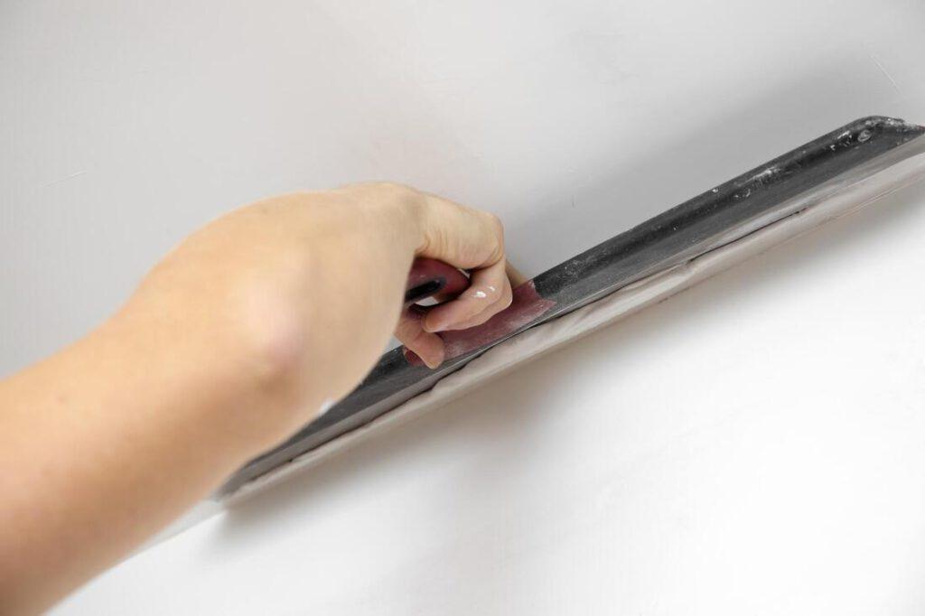 spring-paint-contractors-drywall-texture-repair-2_orig (1)